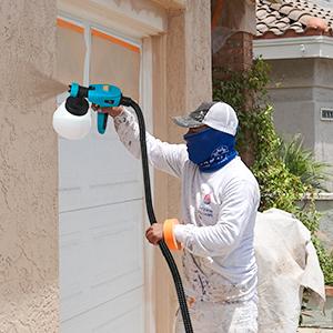 spray gun spraying